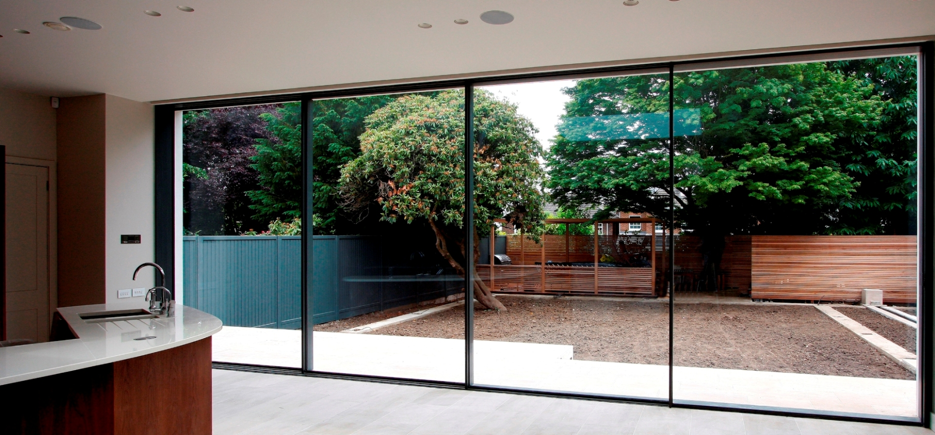 SLIDING GLASS DOORS EASY OPEN AND CLOSE